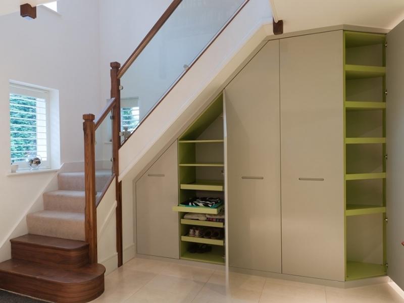 Лестничный шкаф 011